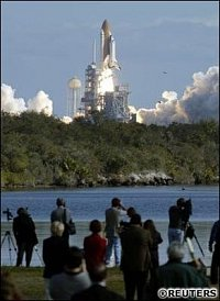 Columbia při startu 16.1.2003. FOTO: REUTERS