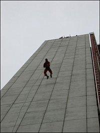 Karel Malina beží po stěně CITY EMPIRIA