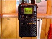 Top třída radiostanic PMR – japonské Alinco DJ-SR1. 32 pamětí, 39 subtónů CTCSS, přepínání výkonu, t
