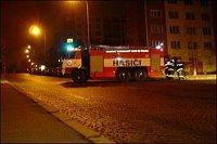 Tatra ČD plní v ulici Topolová. To už jsem se klepal zimou jak ratlík(vylítnul jsem málem v pyžamu)