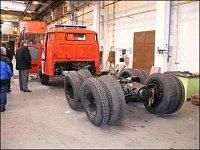 Repasovaný podvozek Tatra 148 pro CAS 32 v hale THT