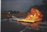 Zkoušky látky Pyrocool – foto HZSP Aero