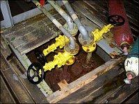 Tuto prázdnou nádrž na chlór voda nadzvedla (zdeformované ventily)…