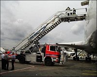 Rettungstreppenfahrzeug RTF/ TEC HÜNERT – letiště Frankfurt