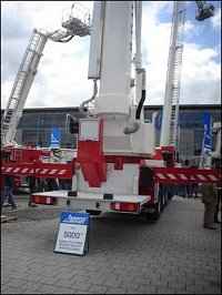 AP Bronto Skylift F 90 HLA - 5000. prodaný kus firmy