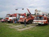 drážní hasiči z Prahy a kolínský jeřáb