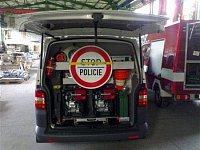 plato AS Fire v policejním Volkswagenu