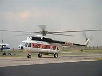 Vrtulník Mi-8 (zde tr.č. B-8733 patřící Polici ČR letecké službě) sloužil hlavně na stanovištích LZS