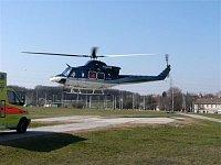 Vrtulníky Bell 412HP patřící PČR LS zajišťovaly LZS na stanovišti v Praze. Stroje mohly převážet dva
