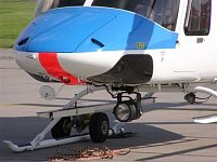 Detail přídě Bell 427 s pátracím reflektorem SX-5 Stardust. Foto Pavel Nehybka