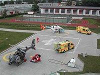 Bell 427 patřící Alfa Helicopter a EC 135 firmy DSA na heliportu LZS v Ostravě, foto Roman Gřegoř, <