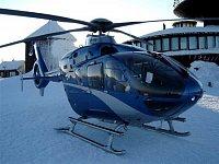 """První přistání záchranného vrtulníku na Sněžce, 23.1.2006. Foto Anatolij Truhlář, <a href=""""http://ww"""