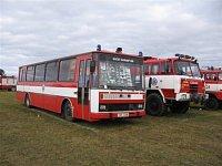 Drážní dvojka - týlový autobus a technická osmikolka