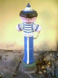 hydrant je v historickém centru Tábora, poblíž Kotnova narohu ulic Filipovské a Růžové