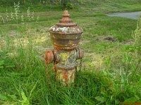foto: MT, hydrant se nachází před areálem firmy Synthesia Pardubice a pochází z roku 1930
