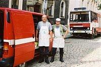hasiči-kuchaři při povodních 2002