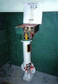 Podzemny hydrant ako vycvikova pomocka pre parizskych hasicov je z hasicskej stanici na ulici Malar