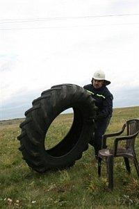 Štafeta - pneu z traktoru