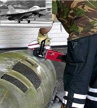 Letecká základna NATO řez kokpitu stíhačky F16