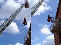 Řezání zábradlí v závěsu na laně v hasičské škole Celle