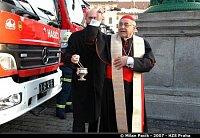 Kardinál Vlk požehnal všem vozům