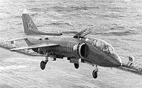 cvičný Jak-38 při kolmém vzletu