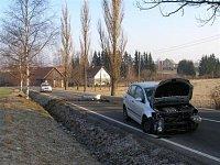 Dopravní nehoda osobního vozidla na silnici č. 310 mezi Pěčínem a Kameničnou
