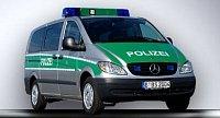 Stříbrnozelený M-B Viano německé policie