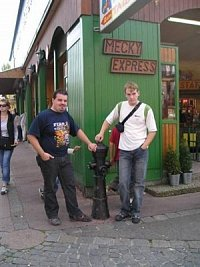 Nadzemní hydrant v zábavním centru Prater Vídeň, foto JSDH Kuřim, Vašek a Michal