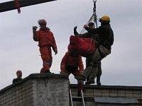 """Přesun """"premiera"""" na střechu domu, za pomoci ruky kontejnerového automobilu - II"""