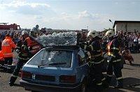 Den záchranářů mýma očima - hasiči z Kolína při cvičné autonehodě