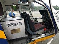 vnitřek vrtulníku