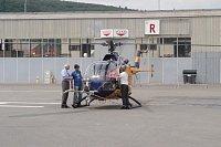 redaktor Petr Svoboda právě usedl do vrtulníku