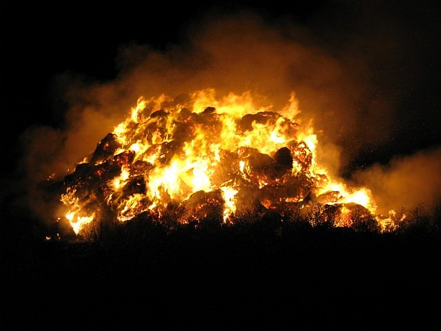 požár stohu Iváň