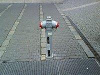 ihasici.cz - hydrant u pardubického Grandu