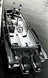 Záchranný člun Požární agregát V75CS a 2x lodní motor 35 HP z roku 1977