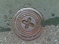 tímto se otevře přívod vody do hydrantu