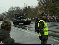 blíží se první tank