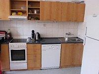 kuchyňka u denní místnosti