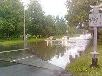 Frenštát pod Radhoštěm zaplaveny vlakový přejezd Směr Rožnov Pod Radhoštěm 24. 6. 2009 čas 18:00 fot