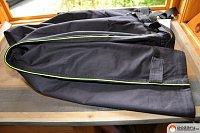 Detail reflexního pruhu kalhot