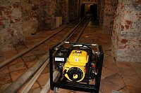 Čerpání vody pří povodních v létě 2013 v Trojském zámku