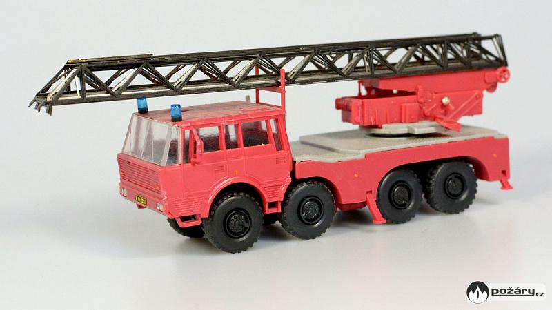 Sdv Model Cislo 212 Tatra 813 8 8 Az44 S Pohyblivym Vysouvacim