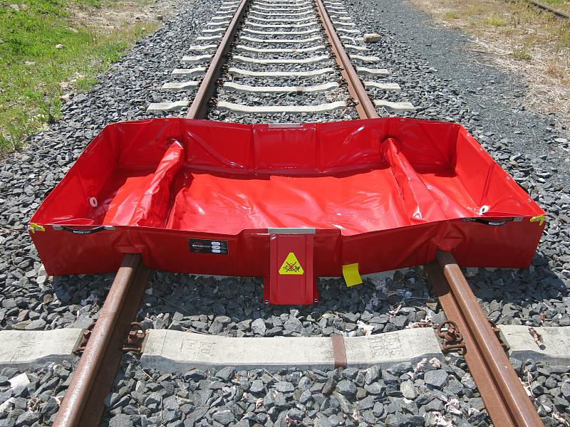 Speciální konstrukce přesně kopíruje kolejovou rozteč 1435 mm