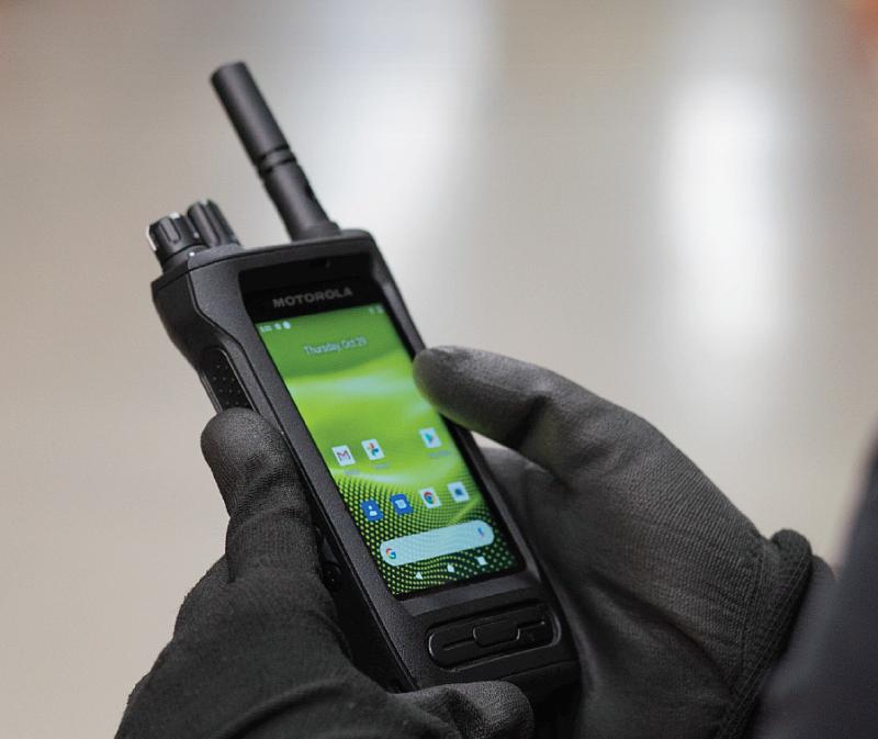 Motorola ION hybridní zařízení kombinuje LTE,DMR i analog